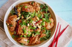 This isn& really something you can cook in the Thermomix, as you do need the high heat. But I love using my Thermo for prep as well, it is just EASY! Chicken Recipes Thermomix, Crockpot Recipes, Pollo Kung Pao, Kung Pao Chicken, Duck Sauce, Balsamic Beef, Hoisin Sauce, Fiber Foods, Dinner Is Served