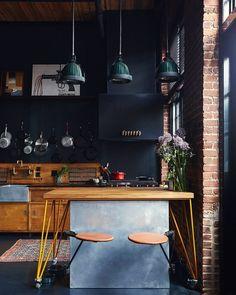 The Nordroom - Industrial Apartment of Alton Brown and Elizabeth Ingram Kitchen Buffet, Kitchen Desks, Kitchen Cabinets, Design Loft, Gravity Home, Industrial Apartment, Men Apartment, Alton Brown, Architectural Digest