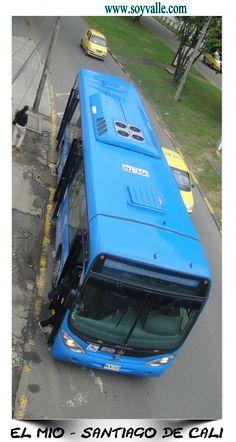 El Masivo Integrado de Occidente (MIO) es el sistema integrado de transporte masivo (SITM) de la ciudad colombiana de Santiago de Cali. El sistema es operado por buses articulados, padrones y complementarios, los cuales se desplazan por medio de rutas troncales, pretroncales y alimentadores. Fue inaugurado el 15 de noviembre de 2008 en fase de prueba. A partir del 1 de marzo de 2009 empezó su funcionamiento en firme.