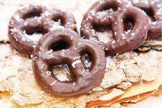 Zoute krakelingen met chocolade voor Valentijnsdag
