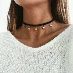 35 Amazing Chokers for You - Fashion Design Cute Jewelry, Jewelry Box, Jewelry Accessories, Women Jewelry, Fashion Jewelry, Vintage Accessoires, Mode Blog, Accesorios Casual, Diy Accessories