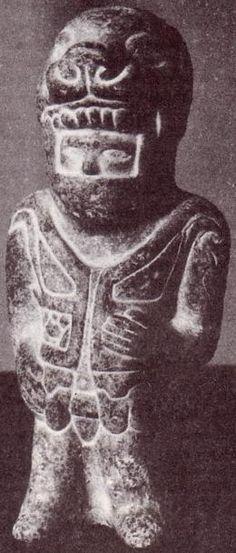 Estatuilla de piedra encontrada en Colombia; 3000 años de antigüedad.