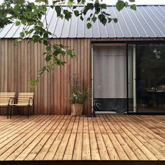 Excellent Summer House Design Ideas To Try Asap 06 home House Cladding, Building A Cabin, Modern Barn House, Cabin Homes, Cabins In The Woods, Exterior Design, New Homes, Design Ideas, Small Summer House