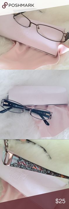 Woman's Pink JUICY Clam Case & JLo Reading Glasses Rx is unknown. EUC-barely Used.  JLO Reading Glasses & cleaning cloth in a Pink velvet Lined Juicy Clam Case. Juicy Couture Accessories Glasses