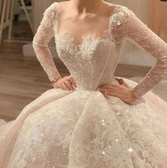 Wedding dresses mermaid white and wedding dresses princess illusion neckline Country Wedding Dresses, Dream Wedding Dresses, Bridal Dresses, Wedding Gowns, Arch Wedding, Formal Wedding, Wedding Shoes, Mode Turban, Fairytale Dress