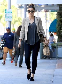 jessica biel outfits best outfits - Page 14 of 100 - Celebrity Style and Fashion Trends Jessica Biel, Jessica Ricks, Daytime Outfit, Daytime Dresses, Celebrity Casual Outfits, Celebrity Style, Look Fashion, Teen Fashion, Simply Fashion