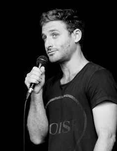 This panel was hysterical and I adore him! The Almighty Johnsons, Dean O'gorman, I Dont Have Friends, Fili And Kili, Aidan Turner, Hot Actors, Lotr, The Hobbit, Sexy Men