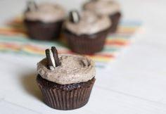 Cookies & Cream Cupcakes | The Baker Chick