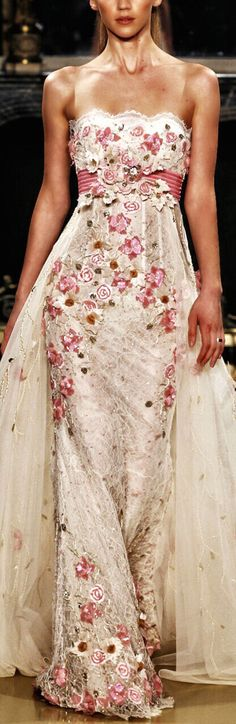 Zuhair Murad-So feminine and pure with sweet flower detailing