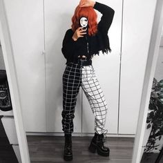 Grunge Outfits, Edgy Outfits, Girl Outfits, Fashion Outfits, Cute Punk Outfits, Fashion Pants, Grunge Goth, Grunge Style, Aesthetic Grunge Outfit