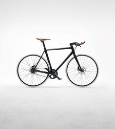 Hermès Launches Two Ultra-lightweight Luxury Bicycles