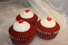 perfect for a red themed wedding - red velvet cupcakes with a vanilla buttercream