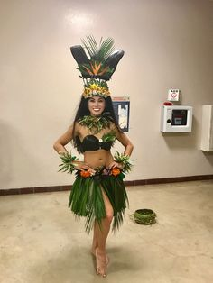 Hello world i'm Antonia Marice, some people call me Ant :) A Californian gal being a New York based traveler going around the world and taking you along for . Polynesian Girls, Polynesian Dance, Polynesian Culture, Luau Costume, Flower Costume, Girl Costumes, Dance Costumes, Hawaiian Girl Costume, Tahitian Costumes