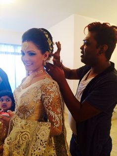 Dressed by Samitha Madhushanka Desi Wedding, Saree Wedding, Wedding Bride, Indian Bride Dresses, Sri Lankan Bride, Bridal Hair Inspiration, Saree Dress, Traditional Wedding, Reception Dresses