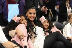 Report: Kobe Bryant's wife Vanessa and daughters. Kobe Bryant And Wife, Kobe Bryant 8, Kobe Bryant Family, Lakers Kobe Bryant, Nike Motivation, Kobe Bryant Pictures, Vanessa Bryant, Kobe Bryant Black Mamba, Basketball Photography