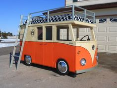 5 Kid Rooms With Built-In Forts: A VW Bus Bunk Bed + Fort!