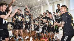 Juventus campione d'Italia, delirio bianconero a Vinovo - Tuttosport