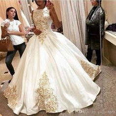 Cheap bridal gown, Buy Quality stunning bridal gowns directly from China satin ball gowns Suppliers: 2016 Dreaming gold Embroidery Wedding Dress sleeveless satin ball gown simple elegant vestido de noiva stunning bridal gown Wedding Dress Prices, Plus Size Wedding Gowns, Elegant Wedding Gowns, Red Wedding Dresses, Luxury Wedding Dress, Cheap Wedding Dress, Bridal Dresses, Gown Wedding, Cheap Dress