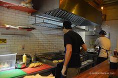 Resultado de imagem para iluminacao hamburgueria cozinha
