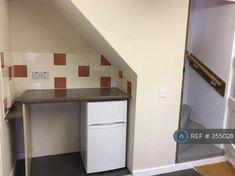 Kitchen - Fridge/Freezer Included