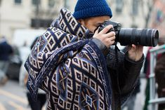 Double seed stitch hat and woven blanket. All the Pretty Photographers, Paris
