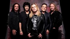 BackstageAxxess interviews Vivian Campbell.