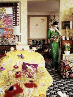 Gloria Vanderbilt in the living room of her United Nations Plaza apartment. Nice play on pattern and Gloria Vanderbilt in the living room of her United Nations Plaza apartment. Nice play on pattern and color. Interior Inspiration, Design Inspiration, Interior Ideas, Flamboyant, Gloria Vanderbilt, Cottage, The Unit, Colours, Table Decorations