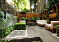 I love today's daily garden for it's excellent layout, gaining the most usability and style from the smallest space by the use of the perfect furniture, making features of the walls,  …