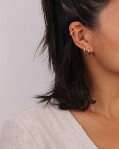 Unique Ear Piercings, Ear Piercings Chart, Ear Piercings Helix, Fake Piercing, Piercing Ideas, Triple Ear Piercing, Ear Jewelry, Jewelery, Beauty