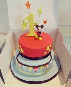 Calla Lily Wedding cake by Sharon Wicks Craft Company Social Media