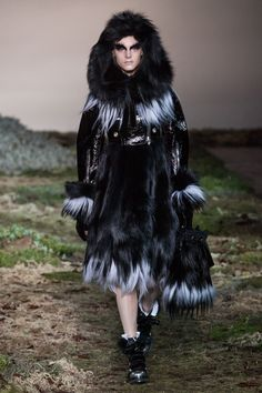 Alexander McQueen Ready-to-wear Fall Winter 2014 #PFW