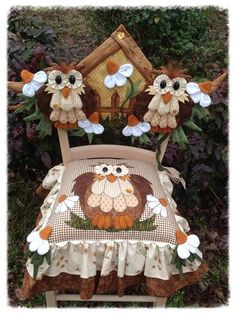 Decor chairs with their own hands, creativity, sewing, embroidery, home textiles Owl Quilts, Applique Quilts, Baby Quilts, Owl Sewing, Sewing Crafts, Diy Crafts, Diy Projects To Try, Craft Projects, Chicken Quilt