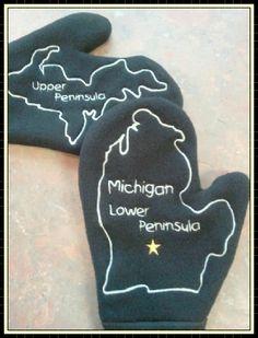 We love these @Michigan Mittens!