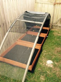 Shade cover made from recycled trampoline frame Mehr Recycled Trampoline, Old Trampoline, Backyard Trampoline, Trampoline Parts, Trampoline Ideas, Backyard Toys, Backyard Landscaping, Garden Fencing, Garden Structures