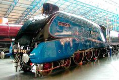 In England, the 4468 Mallard, one of the series from LNER's Express Pacific, reached the world speed record for a steam locomotive km/h) in Diesel Locomotive, Steam Locomotive, Train Car, Train Tracks, Mallard Train, Steam Trains Uk, Steam Railway, Bonde, Boudoir Photography
