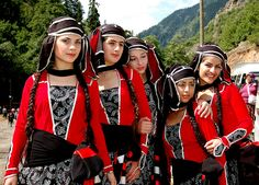 Georgian Dancers - Barhal Festival by 37 °C, via Flickr