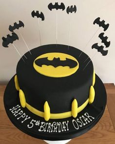 Batman birthday cake without figure