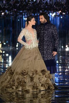 """They are eclectic, fabulous, talented, they are getting better day by day and they are just superb""- Manish Malhotra speaks for his muses, Alia Bhatt and Ranveer Singh.#ICW2017https://www.perniaspopupshop.com/"