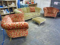 Chesterfield Sofa Westwood - Sitzgruppe im Mustermix - Moderne Chesterfield Sofa Interpretation - Erhältlich über Kippax of Yorkshire