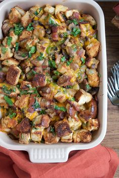 This Wisconsin inspired stuffing celebrates some of Wisconsin's favorites! Wisconsin cheddar cheese, Jones Dairy Farms cherrywood smoked bacon and Hot & Spicy Cheesy Bread! Try something new this Thanksgiving! #ad