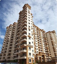 HM Symphony offers you a choice of 304 magnificently designed two and three bedroom apartments at Kasavanahalli, Varthur Hobli, Bangalore. All apartments have been subjected to meticulous modern measurements and designed to perfection.