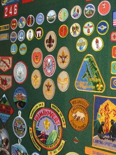 Got a Boy Scout working on his Eagle award? Then there's an Eagle Court of Honor in your future. Here's how to make that Eagle court ceremony extra memorable, including shadowboxes, a multimedia slide show, and letters of congratulation from world leaders.