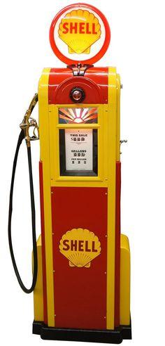 Dans les Années 30 Raymond Loewy travaillera   pour la Société 'Shell', Logo, Stations d'Essence, Pompes ......
