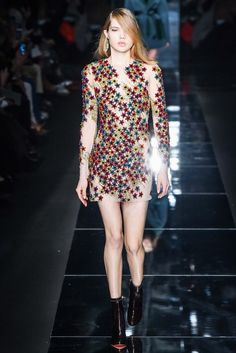 Blumarine Fall 2015 Ready-to-Wear - Collection - Gallery - Style.com http://www.style.com/slideshows/fashion-shows/fall-2015-ready-to-wear/blumarine/collection/9