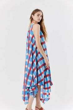 Sleeveless dress Loose fitting Uneven hem that falls just above ankles polyester Made in Japan Japanese Fashion Designers, Issey Miyake, One Size Fits All, Blue Dresses, Collection