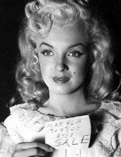 FOREVER NORMA JEANE