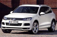 """El Volkswagen Touareg 2012 se ofrece con estas opciones de motor que cuentan con transmisión automática d Tiptronic de 8 velocidades y sistema permanente de tracción en las 4 ruedas """"4MOTION"""": un 3.0LTS TDI con 236CV, un 3.6LTS de 276CV y un 4.2LTS V8 con 360CV."""
