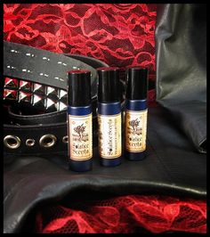 Black Leather, Red Lace Perfume Oil Solstice Scents - Black Leather, Red Lace is an erotic smelling fragrance with a slightly masculine edge due to the leather. It is a scent that could certainly be enjoyed by both men and women. A blend of gorgeous amber, deep vanillas and deftly blended smooth black leather, this scent is cool, rich, a little sweet and utterly intoxicating.