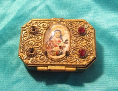 Vtg Pill Box Catholic Rosary Case St. Therese Of The Little Flower / Of Lisieux