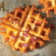Waffled Bacon Cheddar Grits Southern Living entire Family loved this. crock pot grits were so easy. make sure you cook the grits waffle the entire 4 minutes - Waffle Maker - Ideas of Waffle Maker Bacon Waffles, Pancakes And Waffles, Cheddar Grits Recipe, Crepes, Waffle Maker Recipes, Breakfast Dishes, Breakfast Recipes, Breakfast Ideas, Brunch Ideas